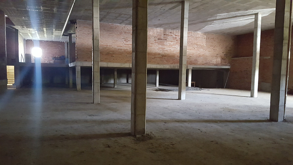 For sale large commercial building in the heart of Mijas Costa, near Fuengirola , it is a nave-edifi,Spain