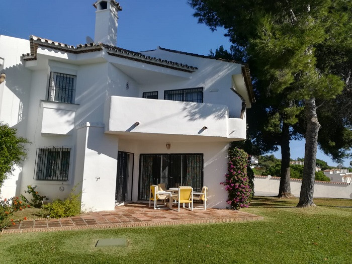 This townhouse is located in a quiet residential area of Calahonda walking distance from all the ser,Spain