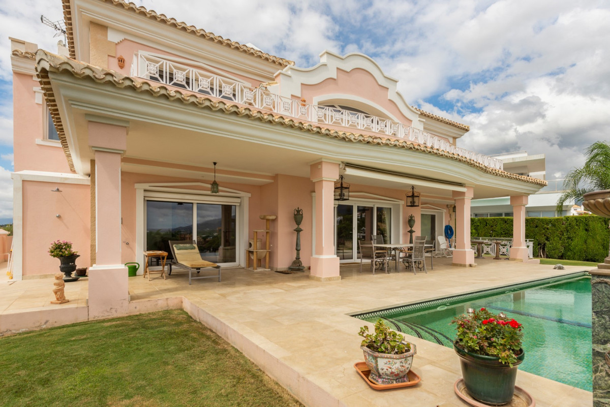 5 Bedroom Detached Villa For Sale Marbella