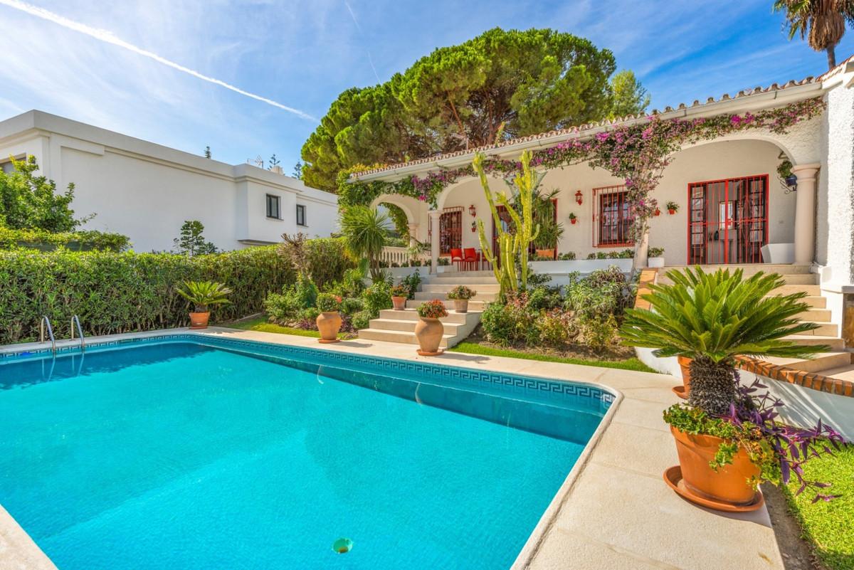 Marbella Banus Villa – Chalet en Venta en Marbella – R3573967