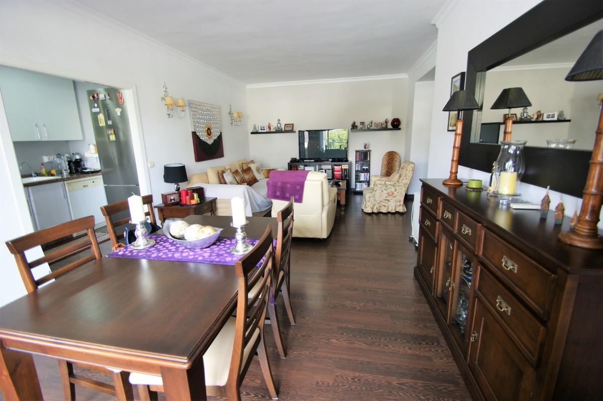 Apartamento en Venta en Guadalmina Alta – R2291492