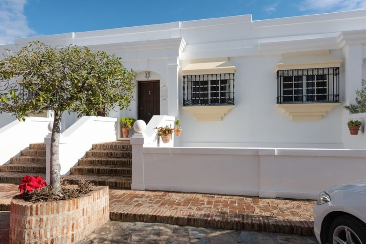 Ref:R3795478 Townhouse - Terraced For Sale in Aloha