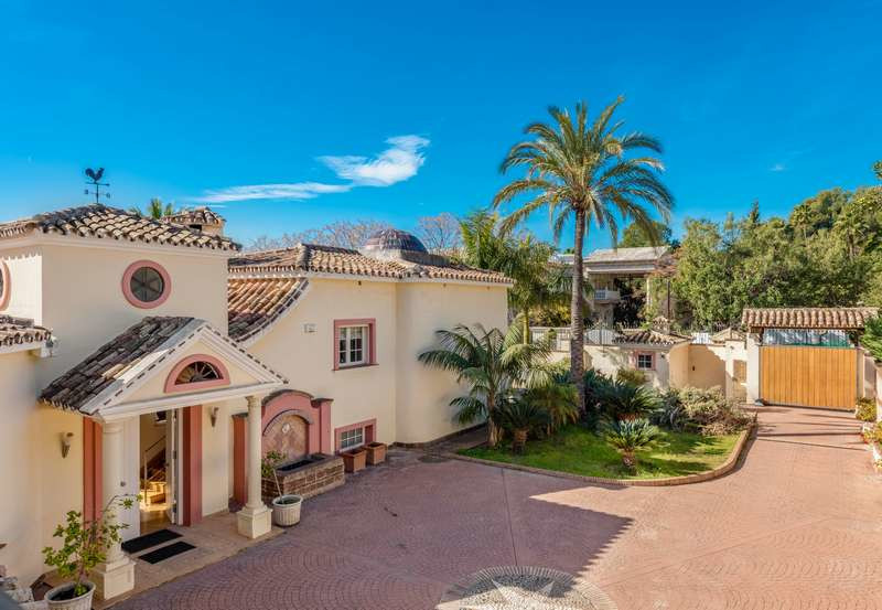 Ref:R3324976 Villa - Detached For Sale in Marbella