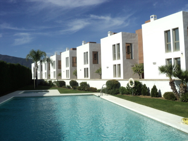 Ref:R3662108 Townhouse - Terraced For Sale in Benahavís