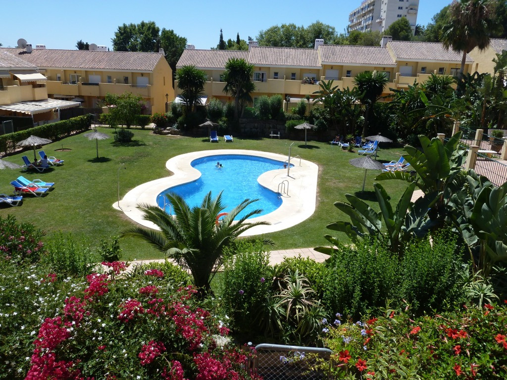 Three bedroom townhouse located near to Estepona and just a few minutes drive to the Laguna Village ,Spain