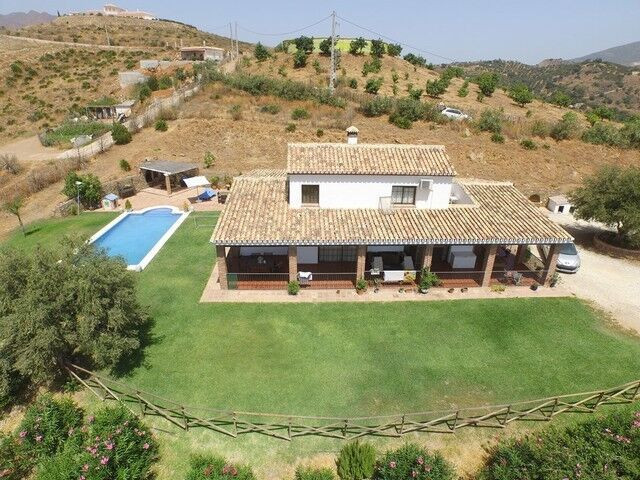 Finca Villa with stables and two riding arenas for sale near Mijas, Costa del Sol! This lovely prope, Spain