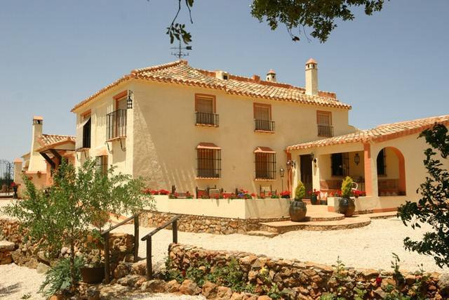 Beautiful Hispano Moorish style cortijo, with its origin dating back to the 19th century, ideally si, Spain