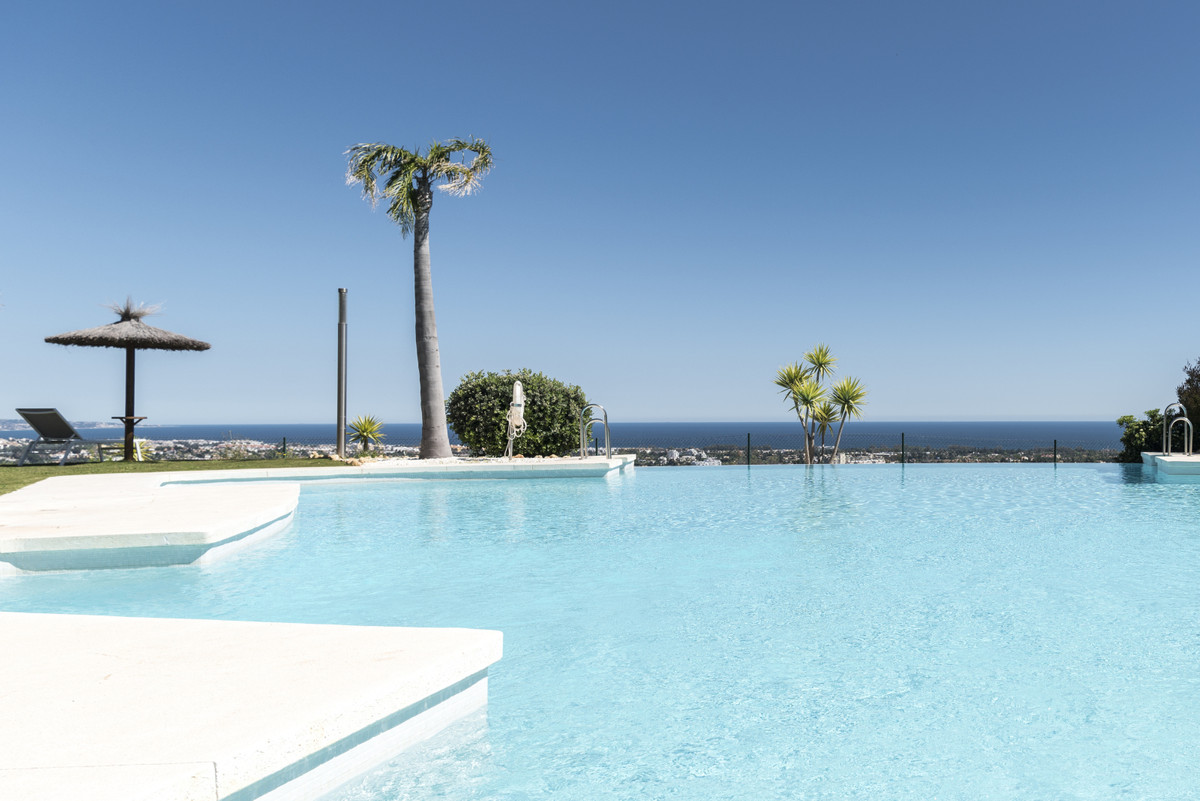 Your secluded hilltop retreat  2 bed middle floor corner apartment 2 bathrooms, 1 ensuite  Ideal hom,Spain