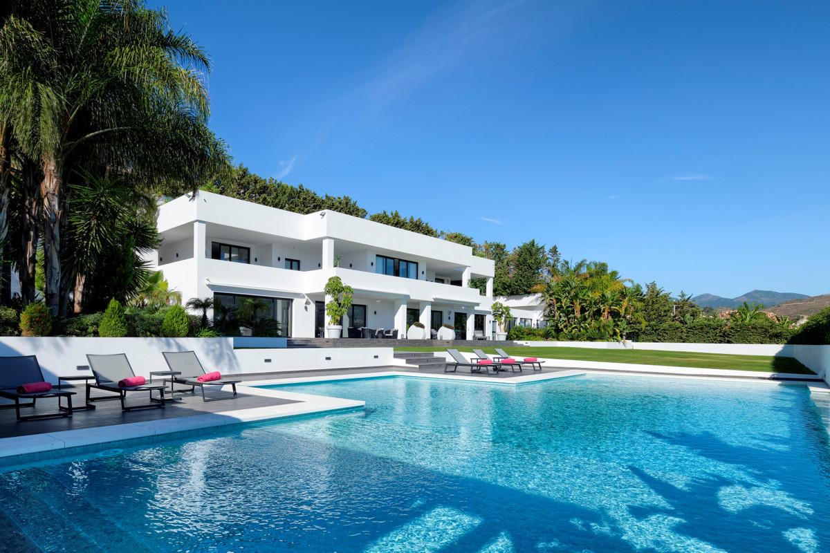 Marbella Banus Villa – Chalet en Venta en Nueva Andalucía – R3749047