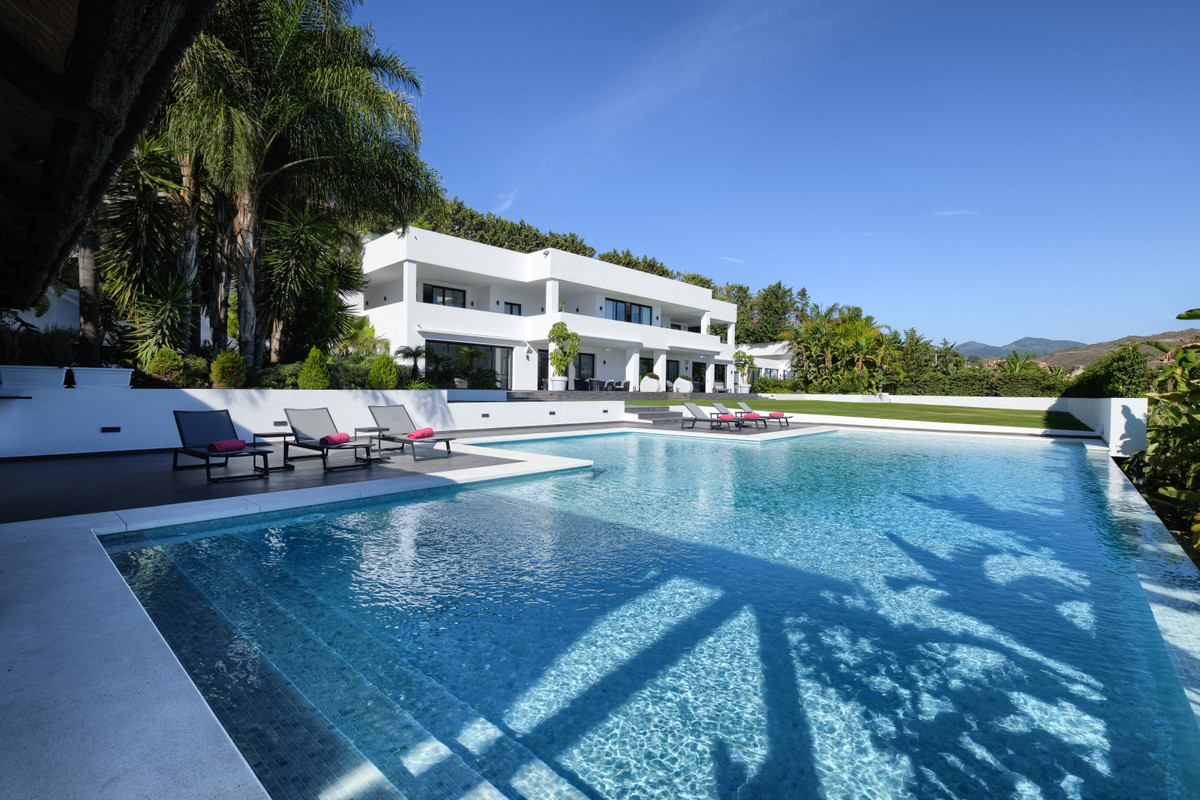 7 bedroom villa for sale las brisas