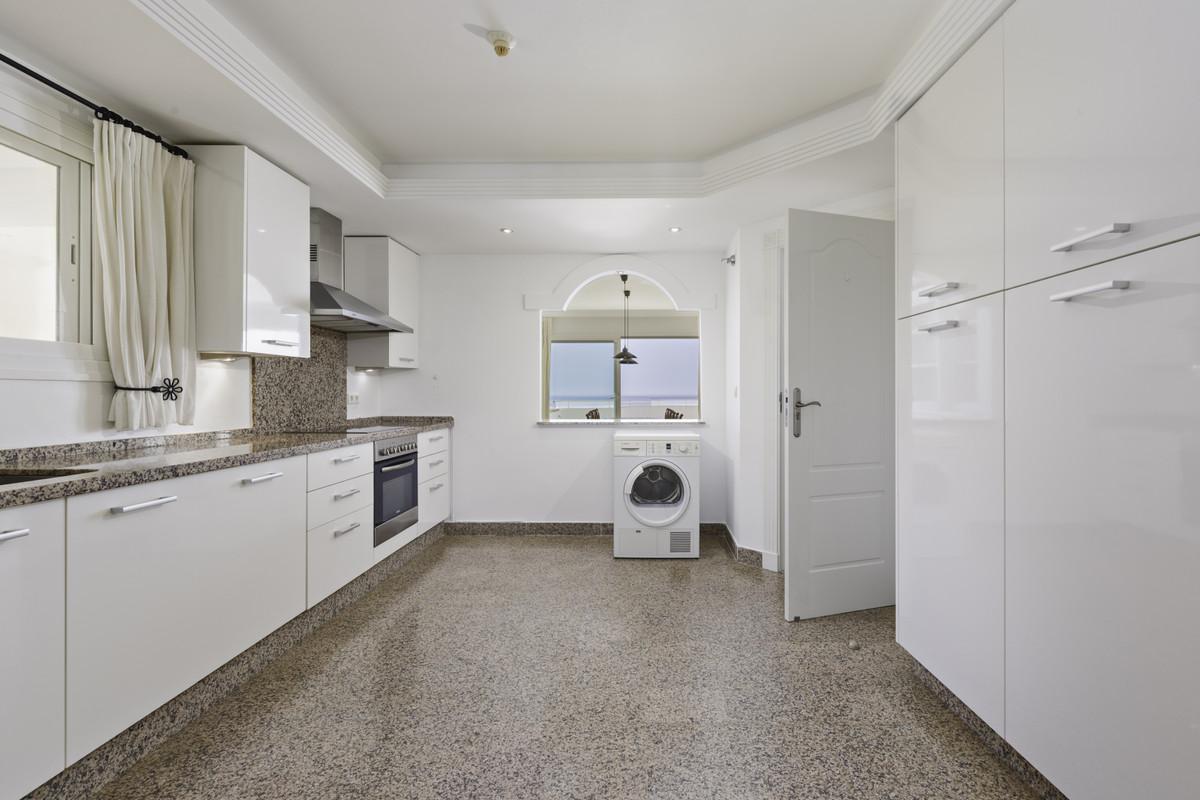 Apartment Penthouse Estepona Málaga Costa del Sol R3876070 10