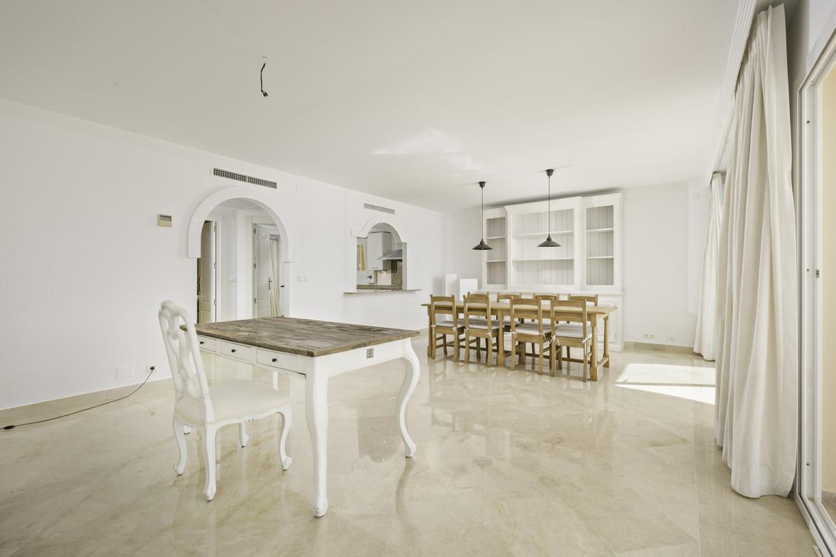 Apartment Penthouse Estepona Málaga Costa del Sol R3876070 4