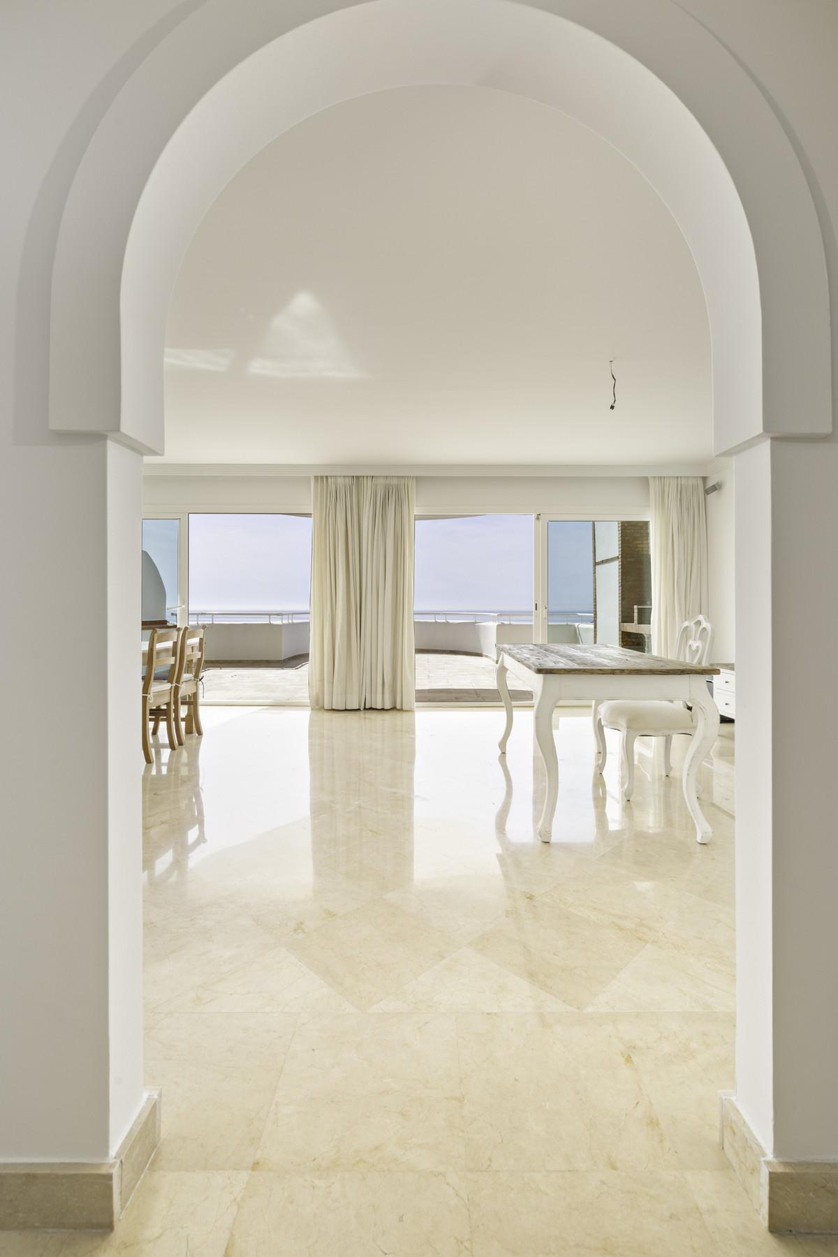 Apartment Penthouse Estepona Málaga Costa del Sol R3876070 5