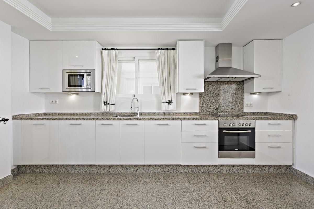 Apartment Penthouse Estepona Málaga Costa del Sol R3876070 9