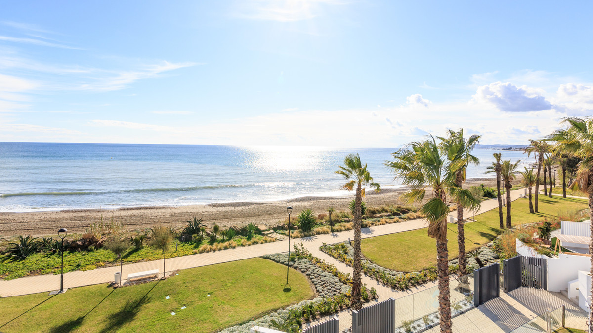 4 Bedroom Villa for sale Estepona