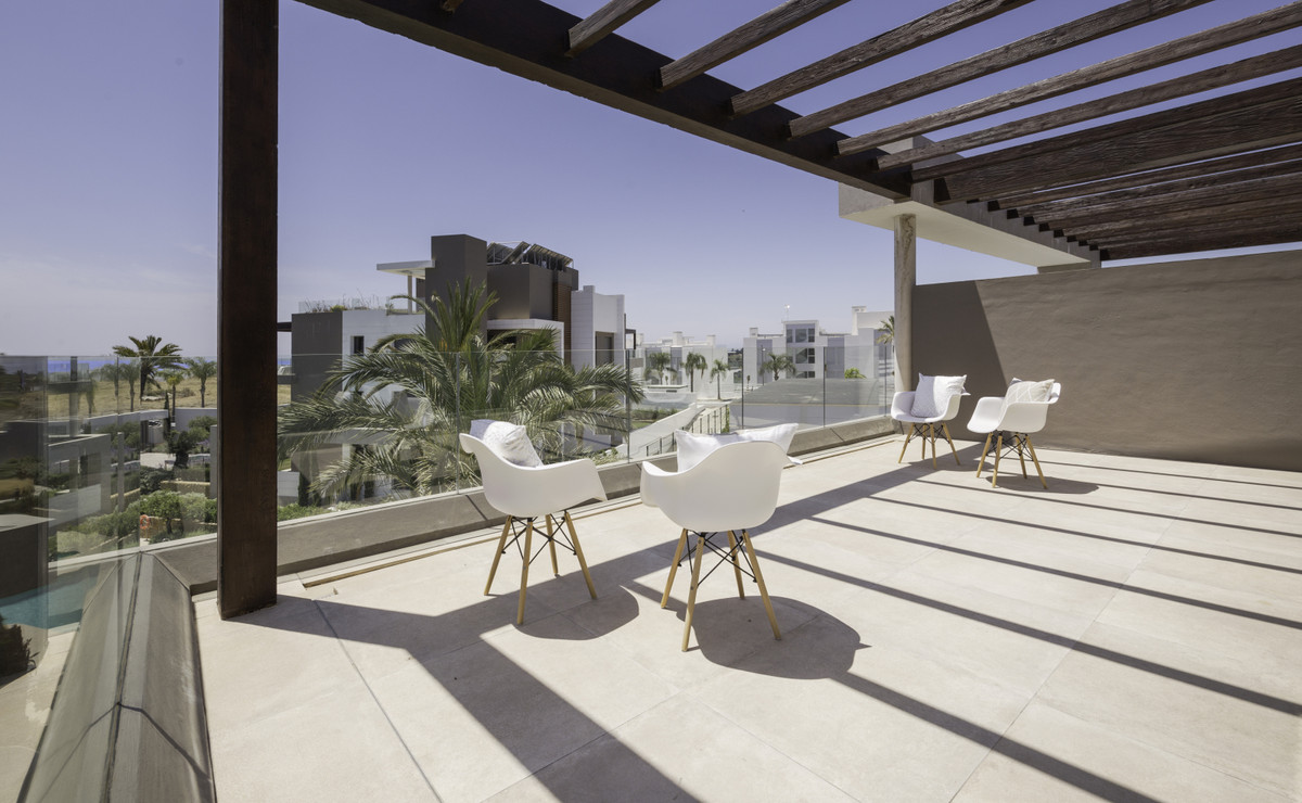 Halfway between Estepona and Marbella, this newly built penthouse (2020), is located in the exclusiv,Spain