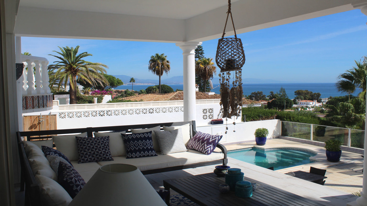 Beautiful luxury villa with amazing sea view and within walking distance from the beach.  This prope, Spain