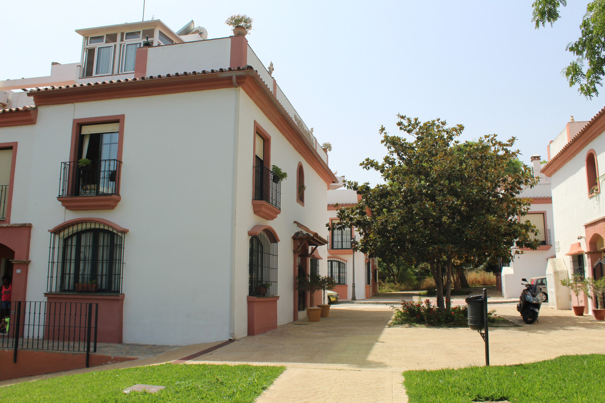 Charming typical Spanish house for sale located near the town of Cancelada and a few steps from the , Spain