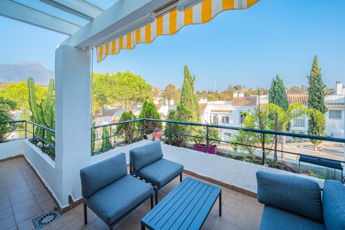 Marbella Banus Apartamento en Venta en Nueva Andalucía – R3930814