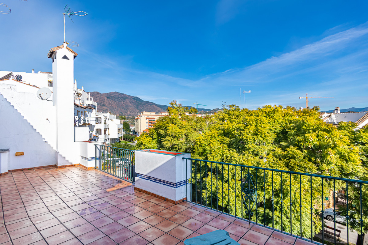 Large townhouse in the center of Estepona and walking distance to the beach. Very quiet residential ,Spain