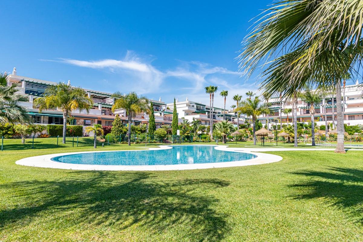 Marbella Banus Apartamento Planta Media en Venta en Nueva Andalucía – R3639857