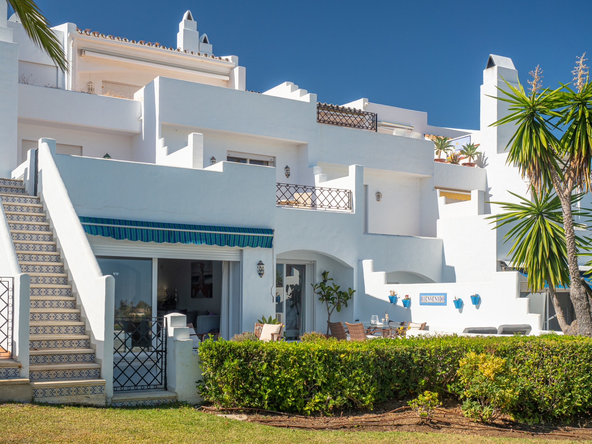 Charming south facing apartment that radiates light and serenity enjoying panoramic mountain and sea,Spain