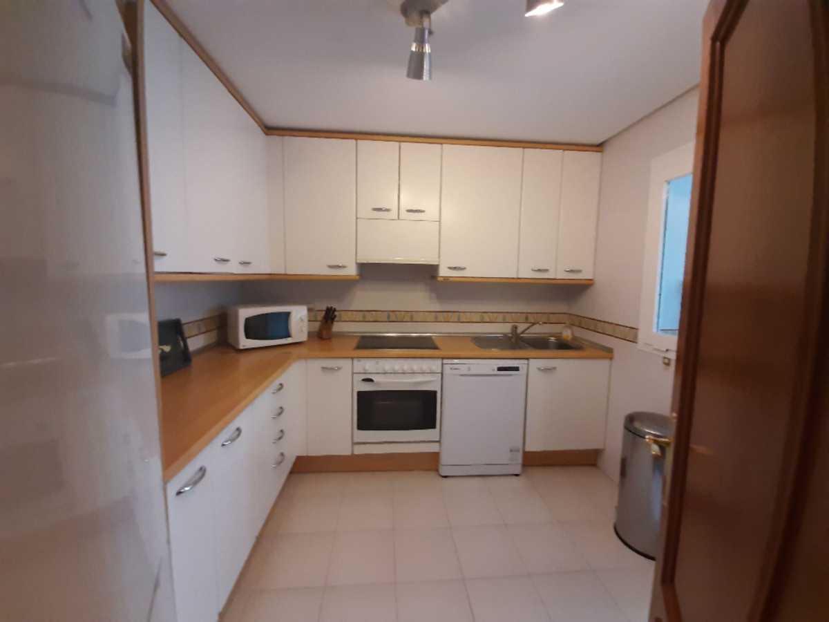 Apartamento Planta Media en Venta en Costalita – R3648833