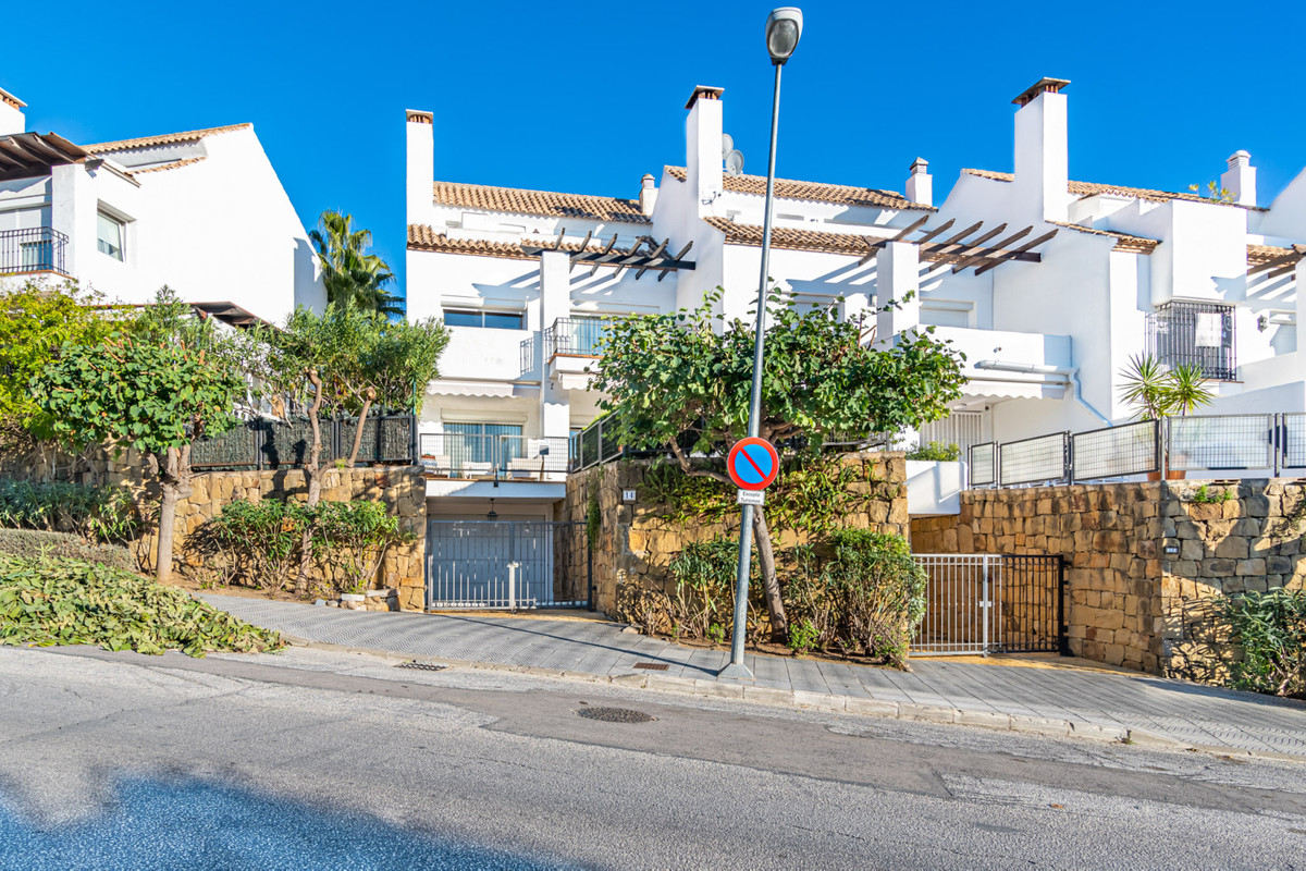 Marbella Banus Pareado en Venta en The Golden Mile – R3739552