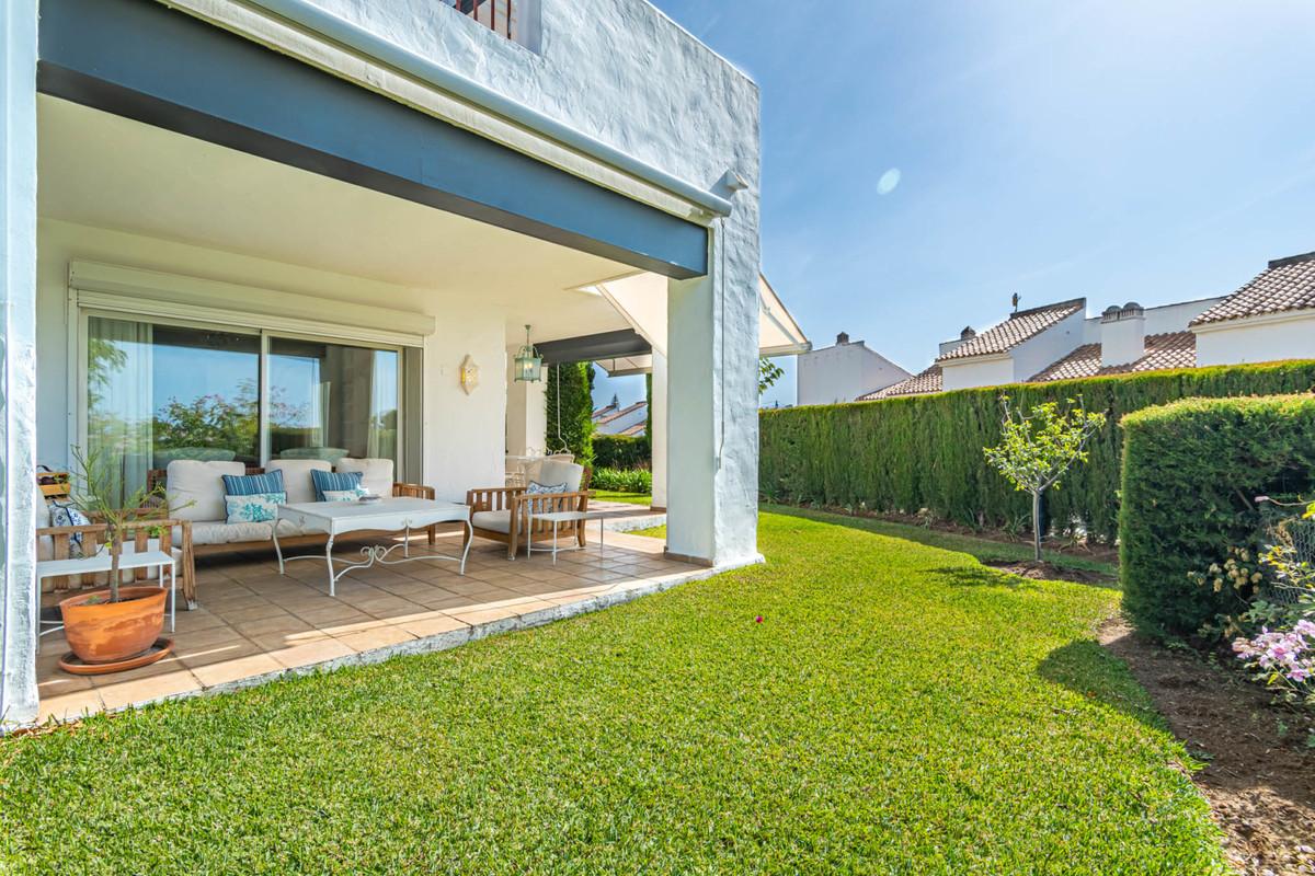 Marbella Banus Apartamento Planta Baja en Venta en Nueva Andalucía – R3709415