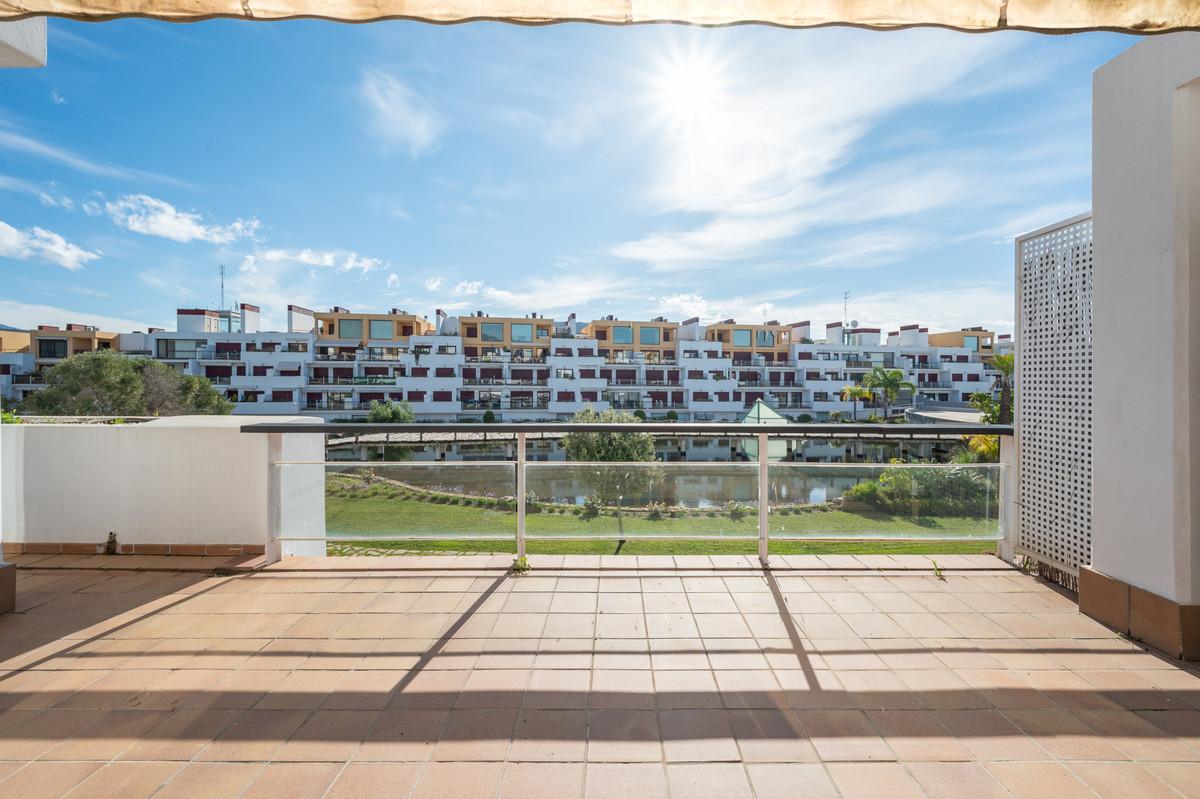 Marbella Banus Apartamento en Venta en Benahavís – R3804637