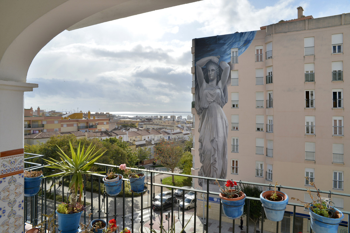 3 bedroom apartment for sale estepona