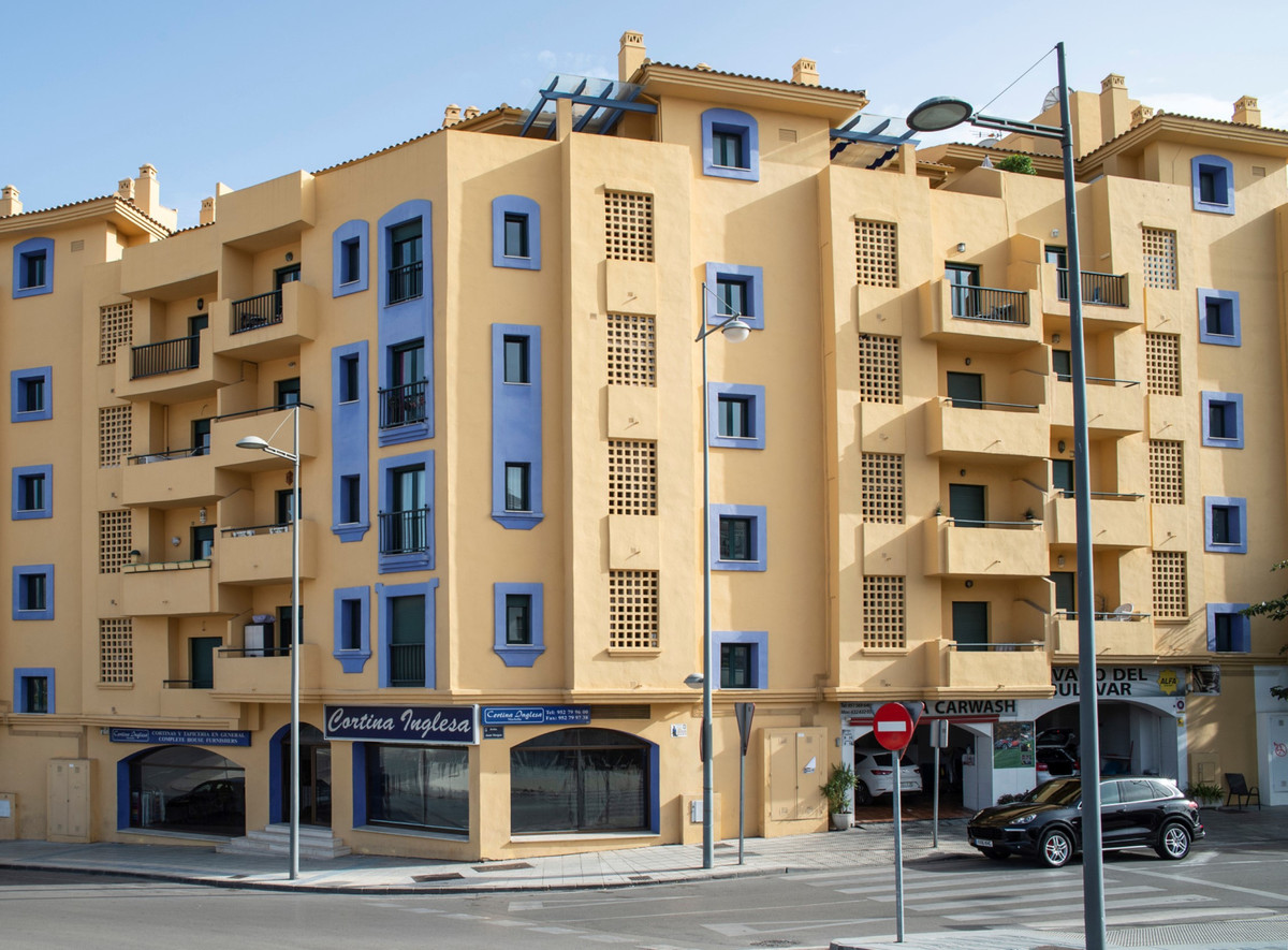 OPPORTUNITY FOR INVESTORS! Large commercial premise on the Boulevard de San Pedro de Alcantara, Marb, Spain