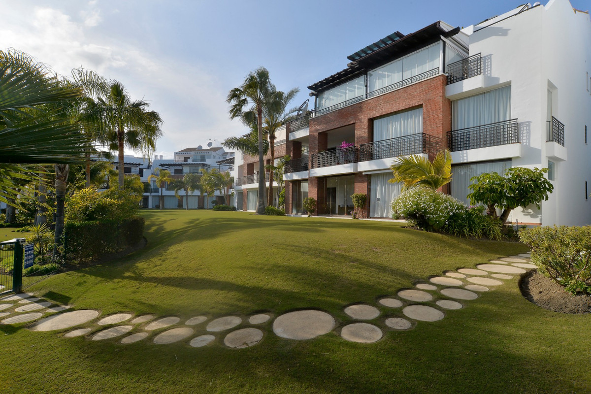 REDUCED  FROM 360.000€!!! The best quality apartment in one the most unique urbanizations in the are, Spain