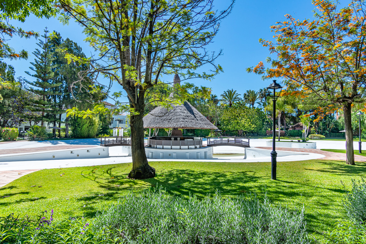 """""""ALHAMBRA DEL GOLF! Spacious property located in one of the best areas of Marbella, Guadalmina ,Spain"""