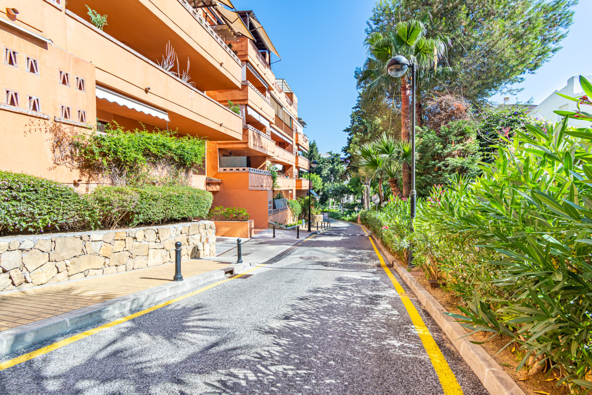 Apartamento, Planta Media  en venta    en The Golden Mile
