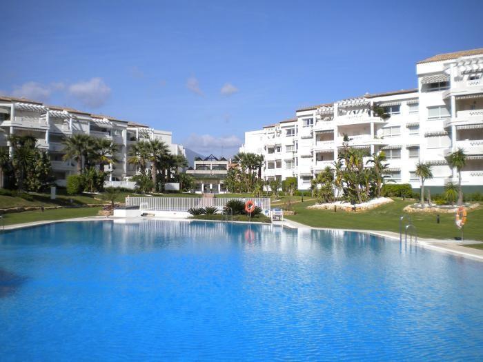 Marbella Banus Apartamento Planta Baja en Venta en Puerto Banús – R2032592