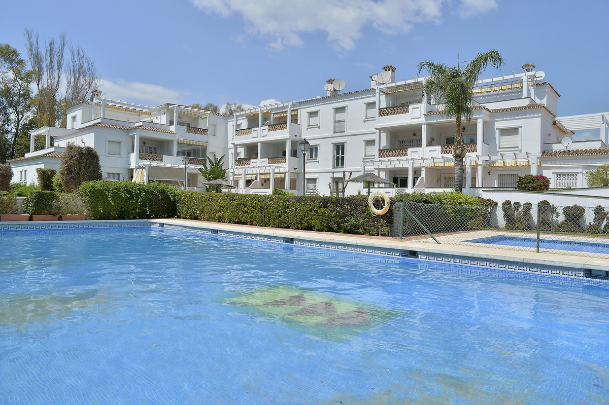 3 bedroom apartment located in the area of ??Puerto Banus, very close to the beach. Located on the t,Spain