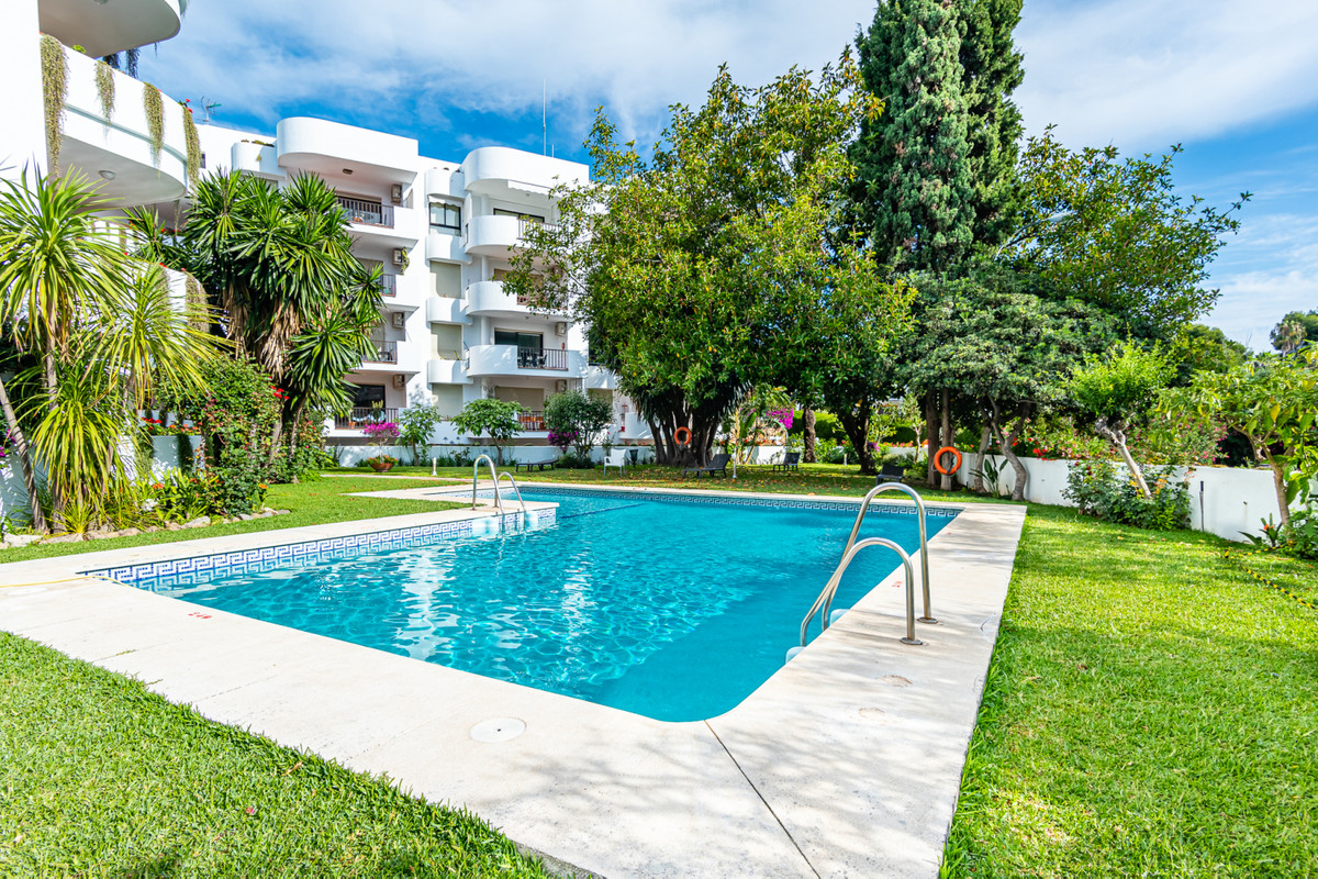 Nueva Andalucia, near the casino, 2 bedroom apartment. Located in a nice gated community with concie,Spain
