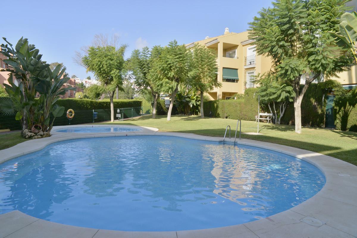 Marbella Banus Apartamento en Planta Última en Venta en Atalaya – R3513685
