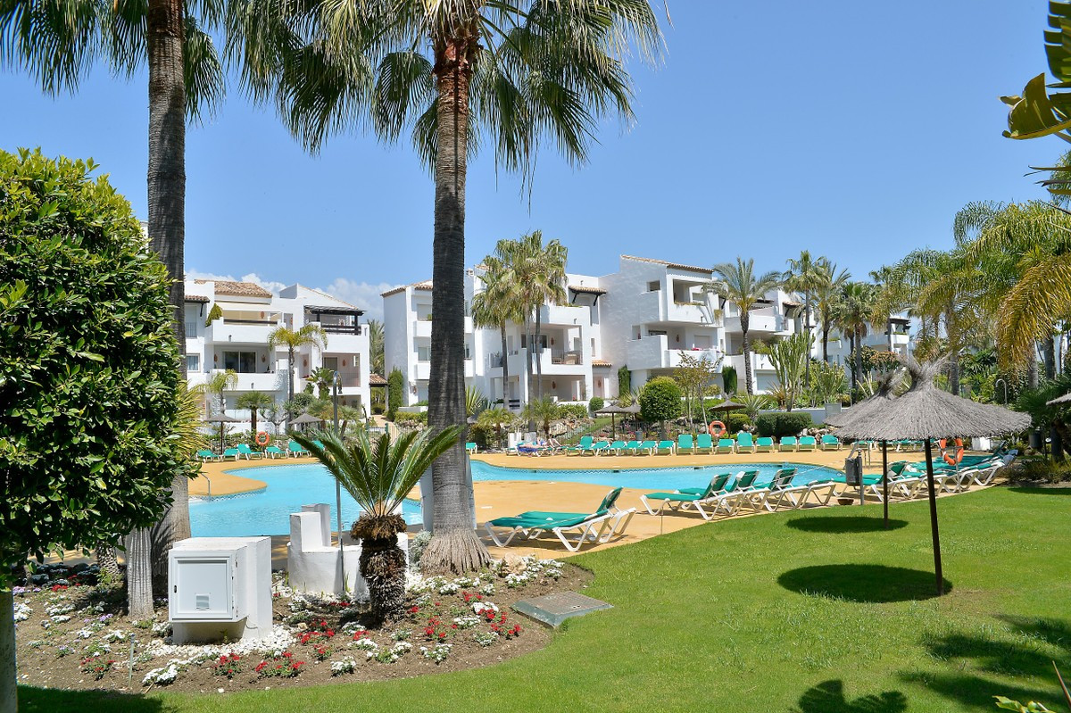 The best value in the area! Lovely ground floor apartment in a private urbanization of Costalita wit,Spain