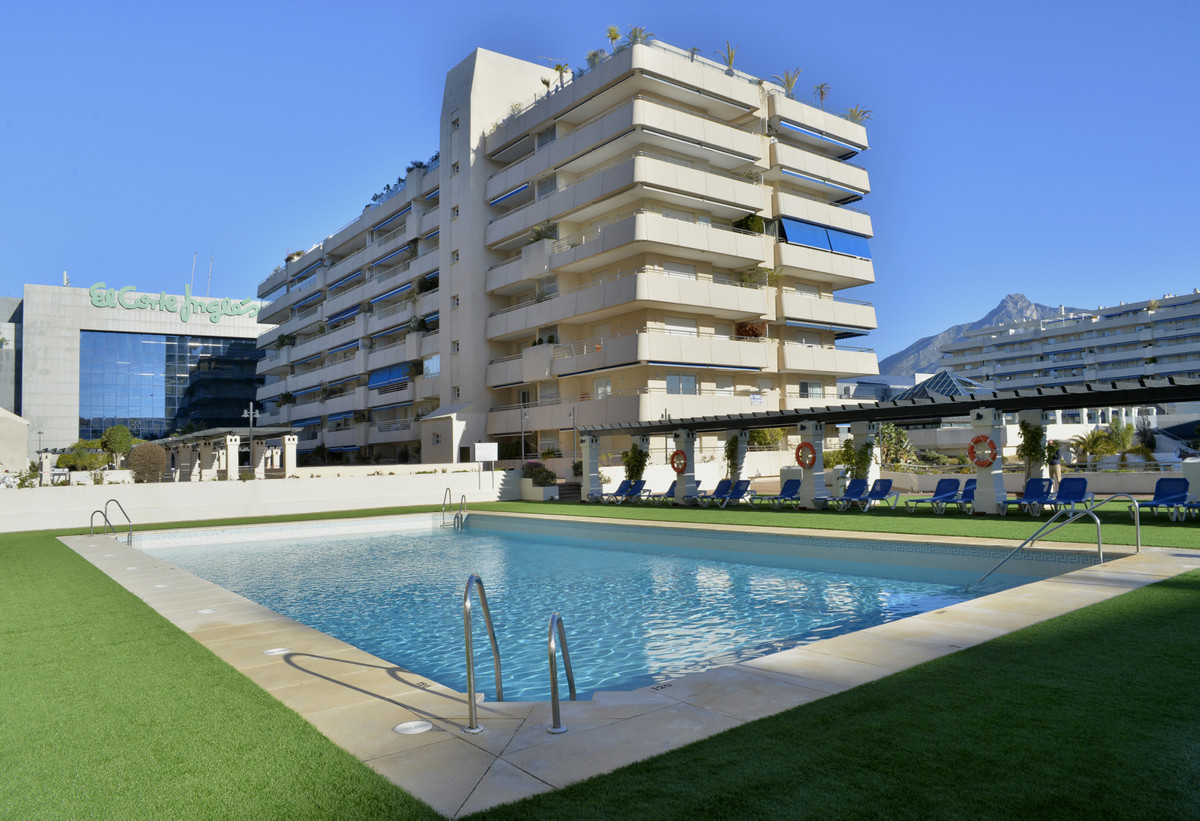 Middle Floor Apartment in Puerto Banús R3346945