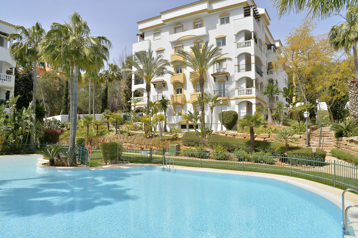 Hacienda Nagueles 2, Marbella Golden Mile, 2 bedroom apartment. This two bedroom apartment has a lar, Spain