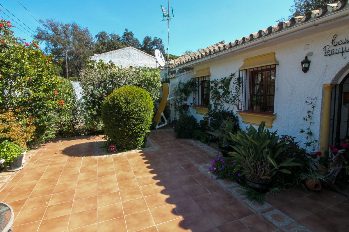 House in Elviria R3628523 11