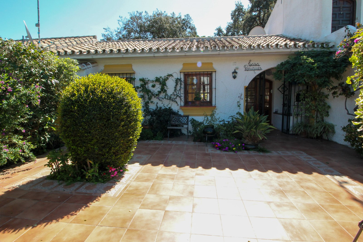 House in Elviria R3628523 12