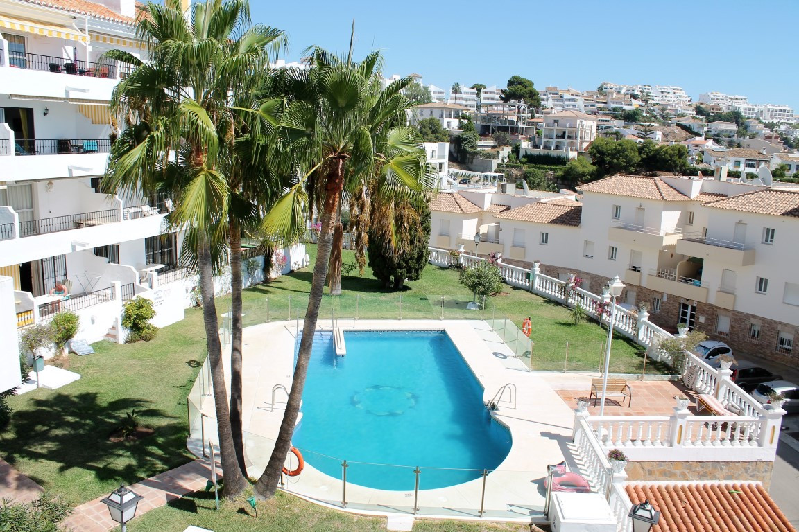2 Bedroom 2 Bathroom first floor Apartment within easy reach of all amenities, beach, bars and resta, Spain