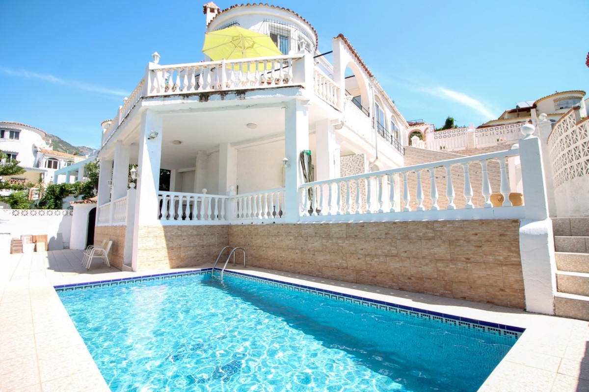 Very spacious 4 bedroom, 3 bathroom Detached Villa enjoying a plethora sunny terraces, private pool , Spain