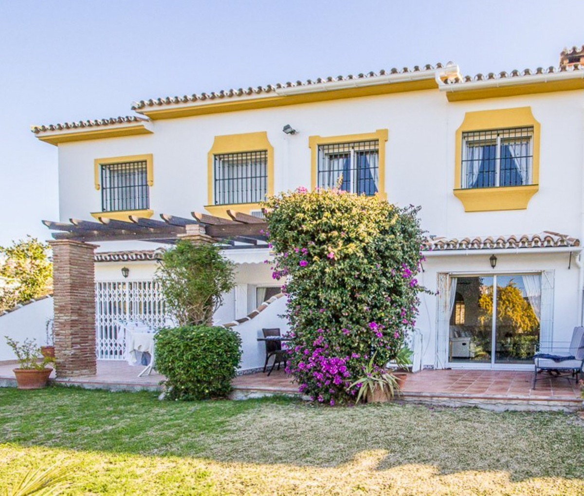 Townhouse for sale in Miraflores R2157074