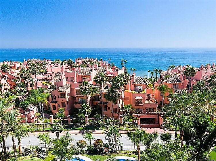 RENTED xxxxxxxxx   NEW GOLDEN MILE-SUPERB 3 BED APARTMENT ONLY 300 METERS TO THE BEACH! The propert,Spain
