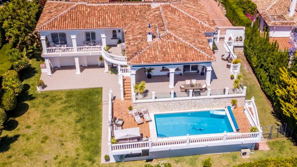 Villa 4 Dormitorios en Venta El Chaparral