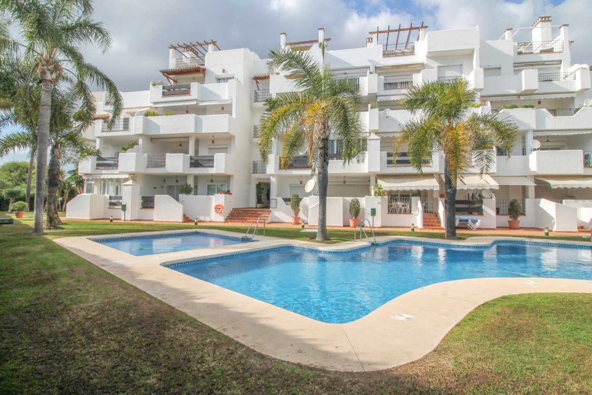 2 bedroom apartment for sale puerto banus